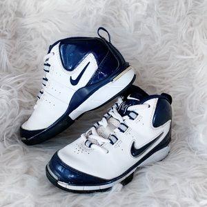 NIKE   Navy Blue & White Boys sneakers